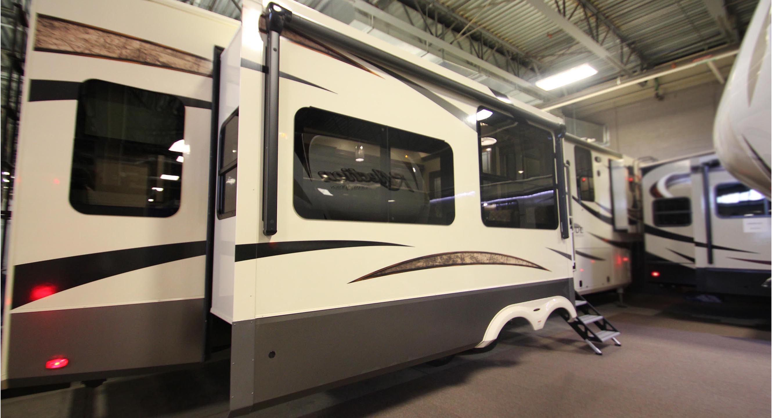 2017 GRAND DESIGN SOLITUDE 384GK