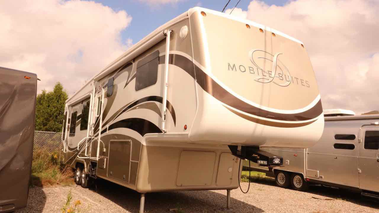 2011 DRV MOBILE SUITES TKSB3 38