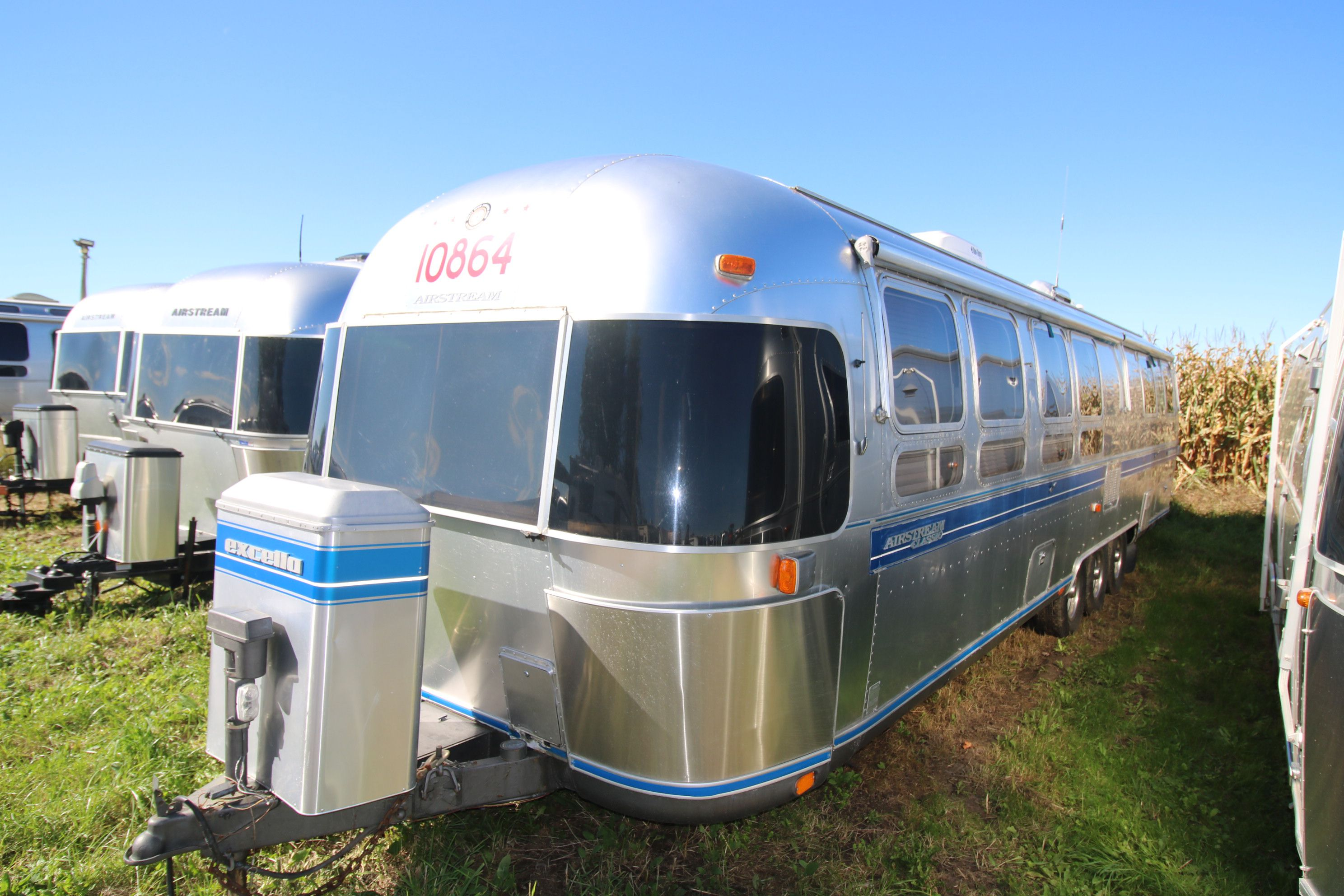 1993 AIRSTREAM EXCELLA 34 Rear Twin